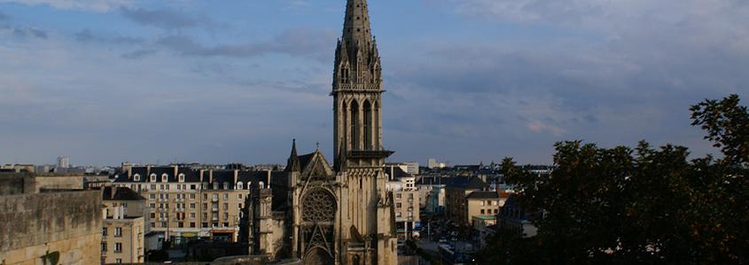 Caen est une ville qui séduit par son cadre de vie et propose de beaux logements neufs pour investir dans la pierre en Basse-Normandie