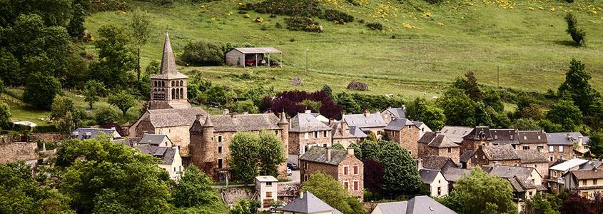 Acheter un bien immobilier neuf dans l'Aveyron permet d'obtenir des avantages fiscaux intéressants
