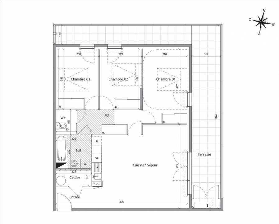 Plan D1-17, appartement neuf type T4 au 1er étage, orienté Est faisant 82m² du programme neuf Soléa à Vendargues.