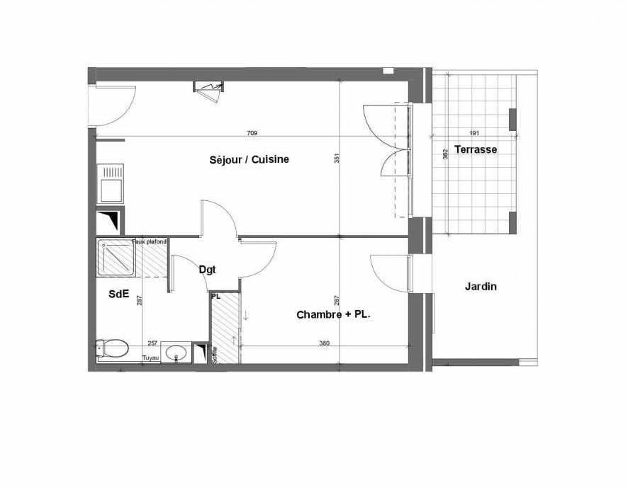 Plan E004, appartement neuf type T2 au Rez de chaussée, faisant 44m² du programme neuf Terra Uva Nue-propriété à Le Castellet.